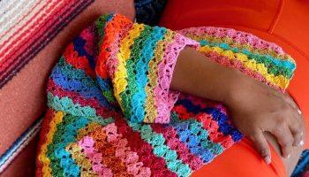 mindy-kaling-wore-rose-carmine-cardigan-instagram