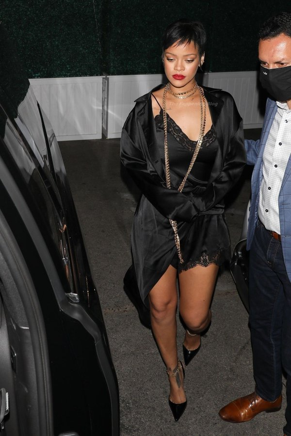 rihanna-wore-alexander-wang-black-lace-dress-out-in-los-angeles