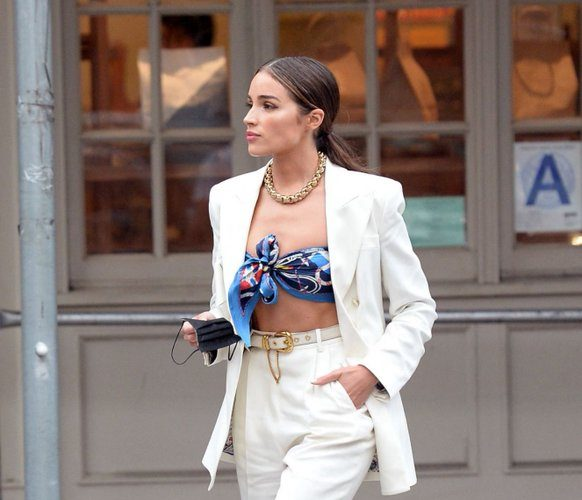 olivia-culpo-wore-etro-suit-out-in-new-york-city-june-13-2021