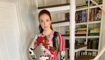 molly-quinn-wore-dolce-gabbana-while-promoting-agnes