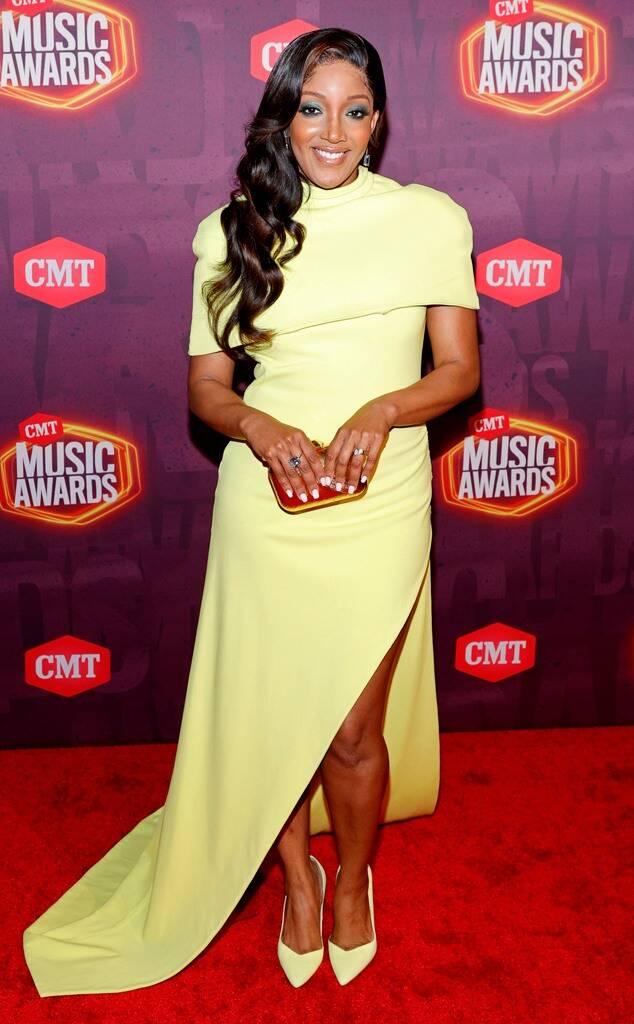 mickey-guyton-wore-brandon-maxwell-the-2021-cmt-awards