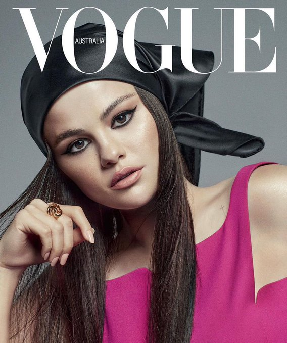 selena-gomez-wore-versace-for-vogue-singapore-july-august-issue