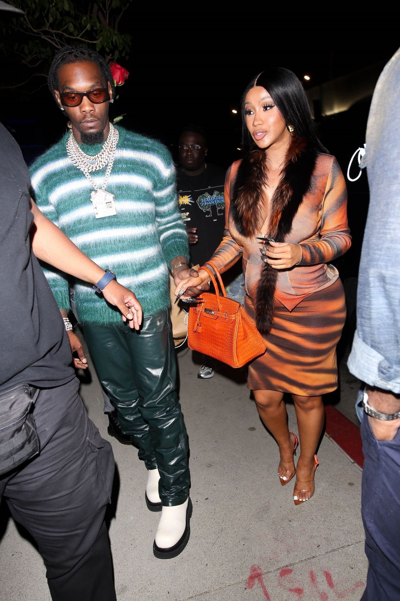 cardi-b-and-offset-boa-steakhouse-in-la-06-27-2021-0