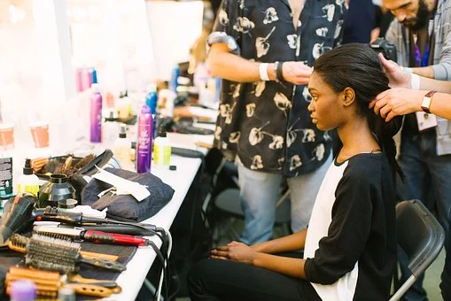 useful-business-advice-for-women-to-successfully-start-their-own-salons