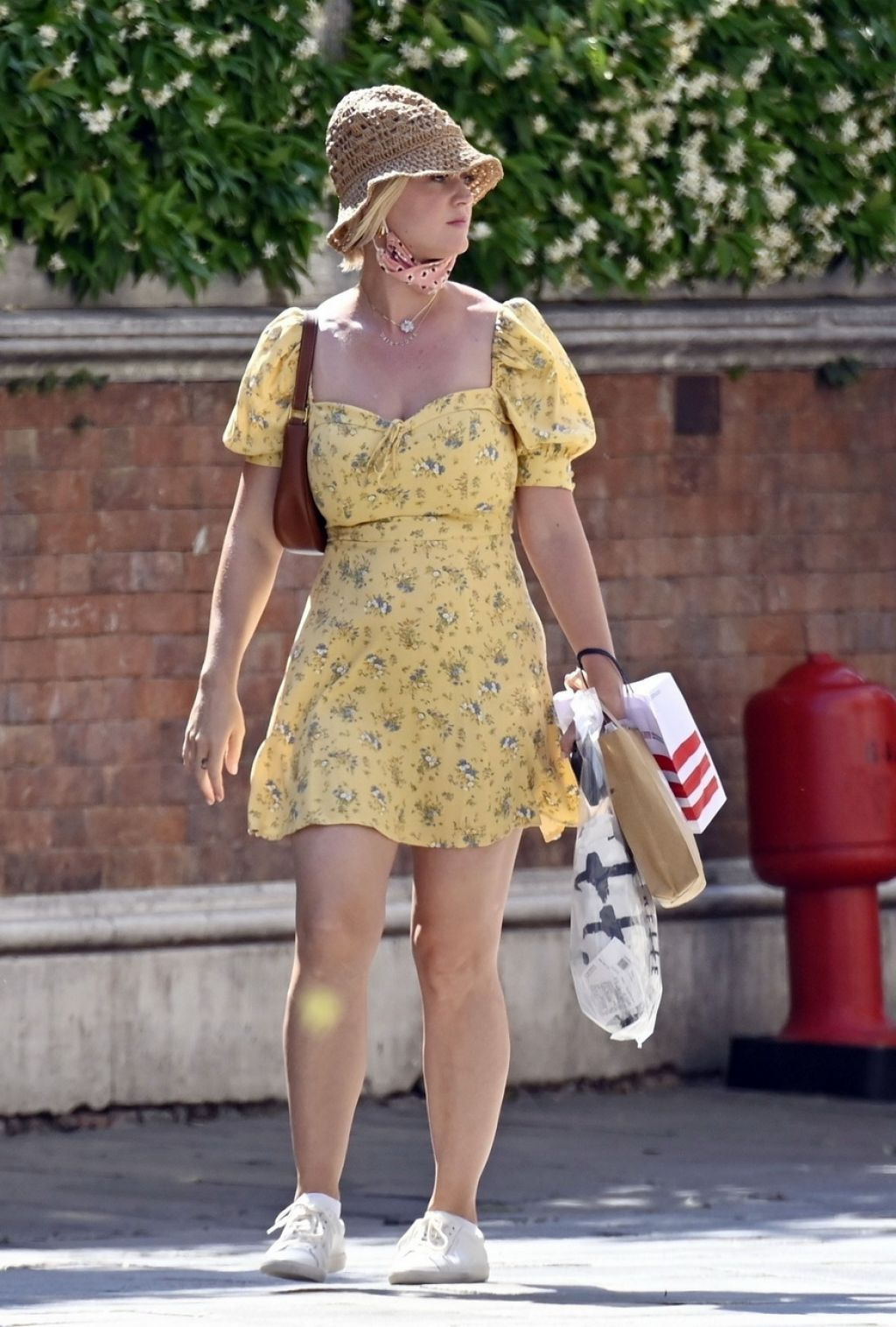 katy-perry-wore-reformation-dress-out-in-venice-06-14-2021