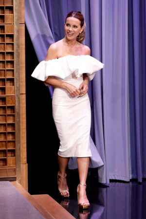kate-beckinsale-wore-solace-london-the-tonight-show-starring-jimmy-fallon