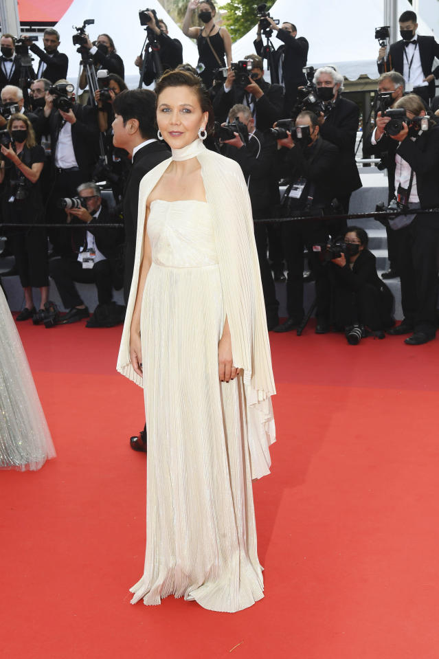 maggie-gyllenhaal-wore-celine-the-cannes-film-festival-jury-opening-ceremony