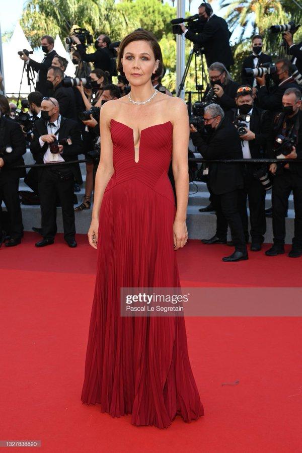 maggie-gyllenhaal-wore-atelier-versace-benedetta-cannes-festival-premiere