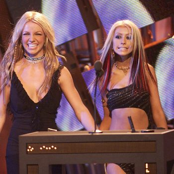 christina-aguilera-shows-her-support-for-britney-spears-in-a-series-of-heartfelt-tweets