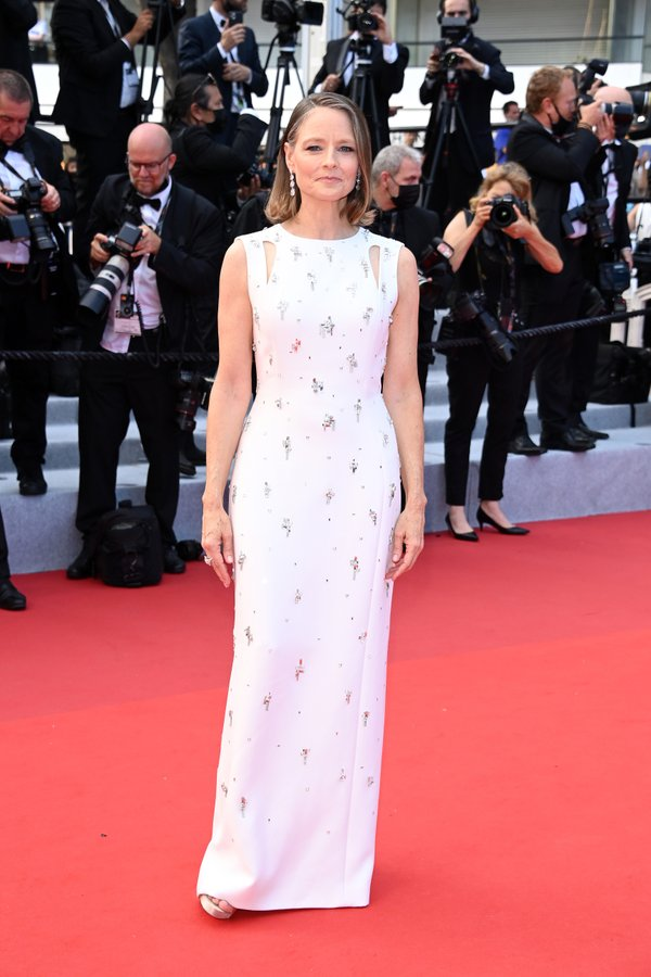 jodie-foster-wore-givenchy-the-annette-cannes-film-festival-premiere