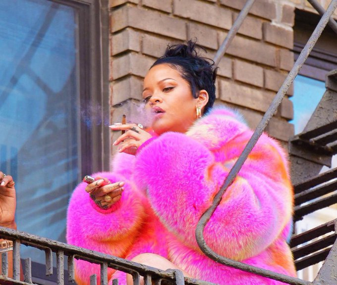 rihanna-wearing-louis-vuitton-behind-the-scenes-video-shoot-in-bronx-ny