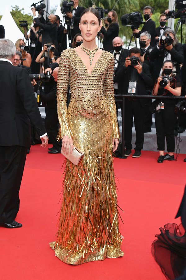 anna-cleveland-wore-custom-alberta-ferretti-the-french-dispatch-cannes-screening