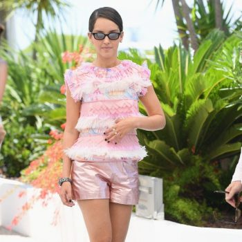 lyna-khoudri-wore-chanel-the-french-dispatch-cannes-photocall