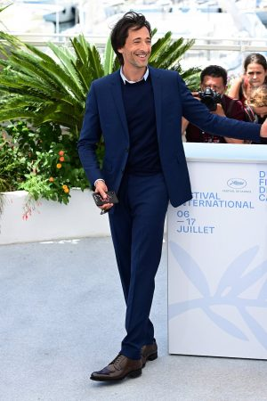 adrien-brody-wore-diormen-by-kim-jones-the-french-dispatch-cannes-photocall