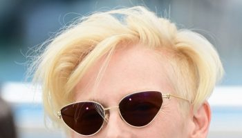 tilda-swinton-wore-cartier-sunglasses-the-french-dispatch-cannes-photocall