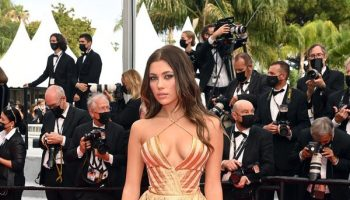 amelie-zilber-wore-zuhair-murad-couture-les-intranquilles-the-restless-cannes-screening