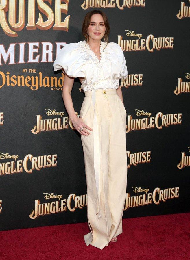 emily-blunt-wore-schiaparelli-the-jungle-cruise-world-premiere