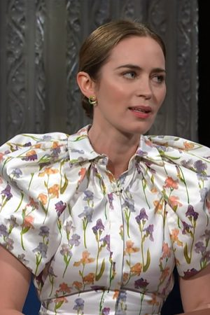 emily-blunt-wore-brandon-maxwell-to-promoting-jungle-cruise-on-the-late-show-with-stephen-colbert