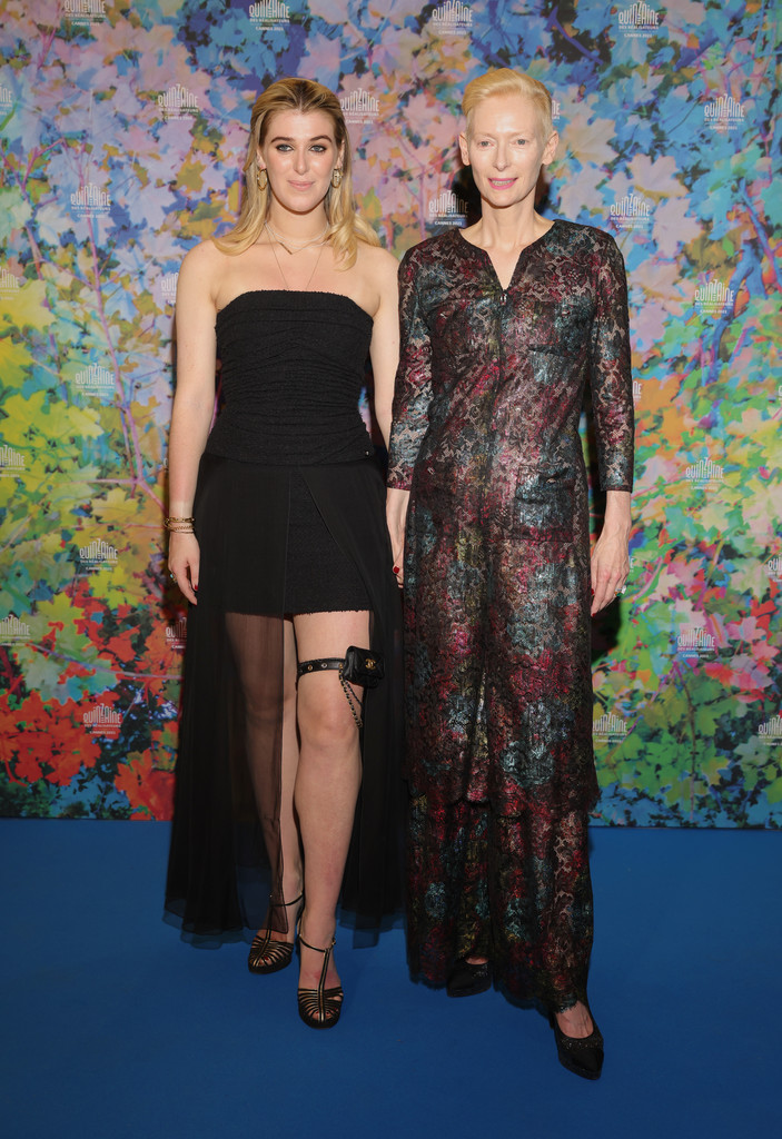 honor-swinton-byrne-wore-chanel-the-souvenir-part-2-cannes-screening