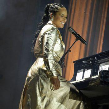 alicia-keys-performed-amfar-cannes-wearing-chanel-coat
