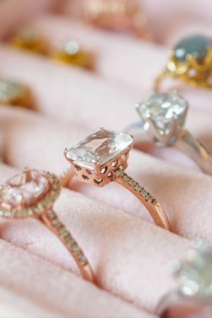 how-to-choose-the-right-jewelry-store