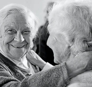 care-tips-for-your-ageing-parents-to-help-them-stay-happy-and-healthy