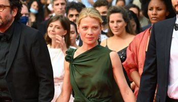 melanie-thierry-wore-dior-the-french-dispatch-cannes-premiere
