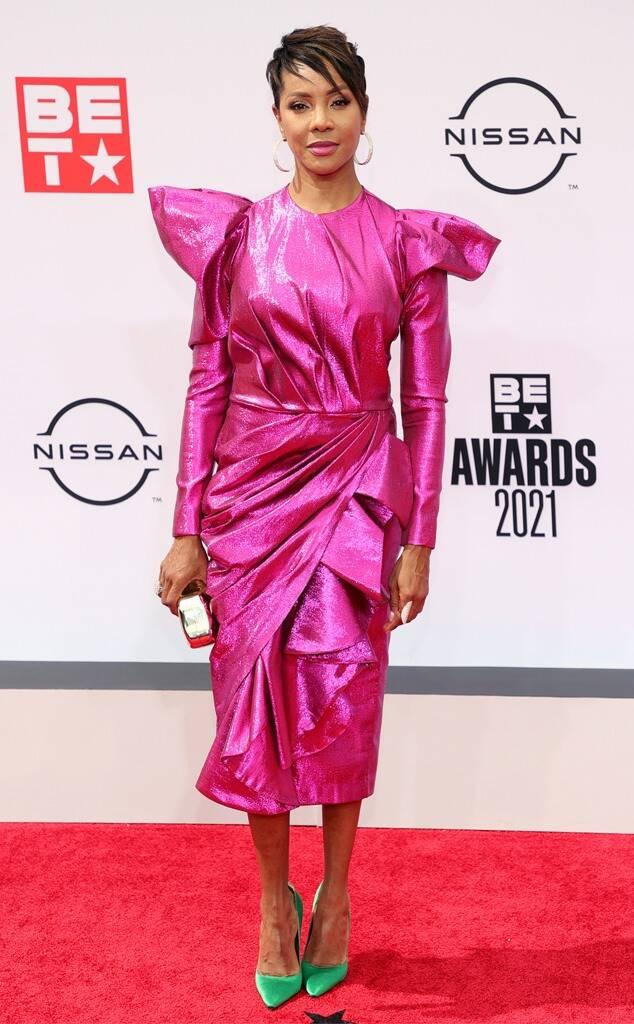 mc-lyte-wears-metallic-fuschia-dress-2021-bet-awards-red-carpet