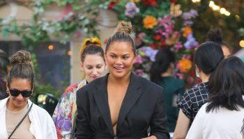 chrissy-teigen-wears-jacquemus-blazer-out-in-new-york-city-july-30-2021