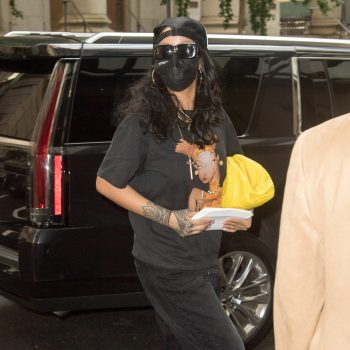 rihanna-rocks-vetements-distressed-jeans-out-in-new-york-city-august-4-2021