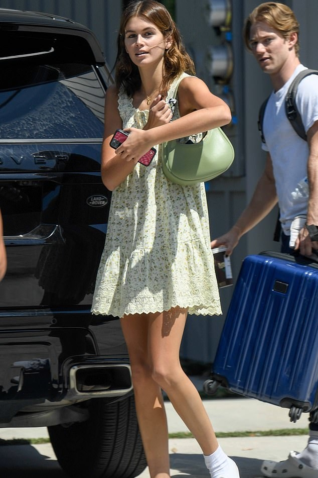 kaia-gerber-wore-dress-out-in-los-angeles-august-10-2021