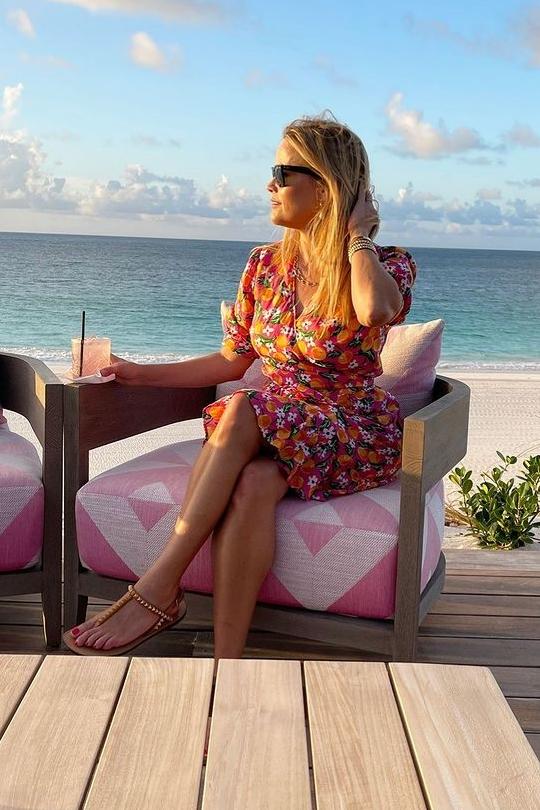 reese-witherspoon-wears-draper-james-instagram-august-24-2021
