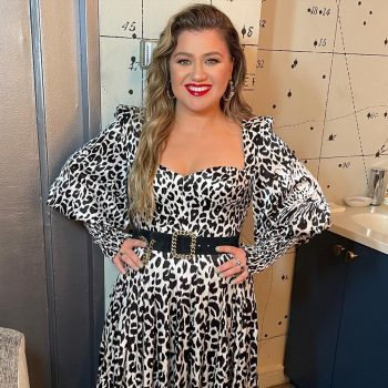 kelly-clarkson-wears-alex-perry-the-tonight-show-starring-jimmy-fallon-august-24-2021