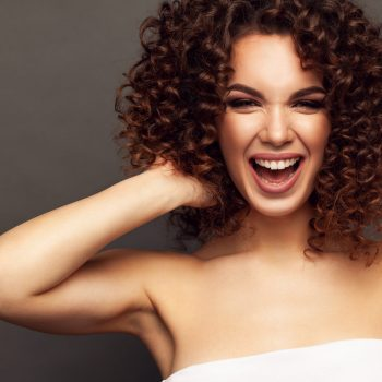 \the-dos-and-donts-of-curly-hair-care-2