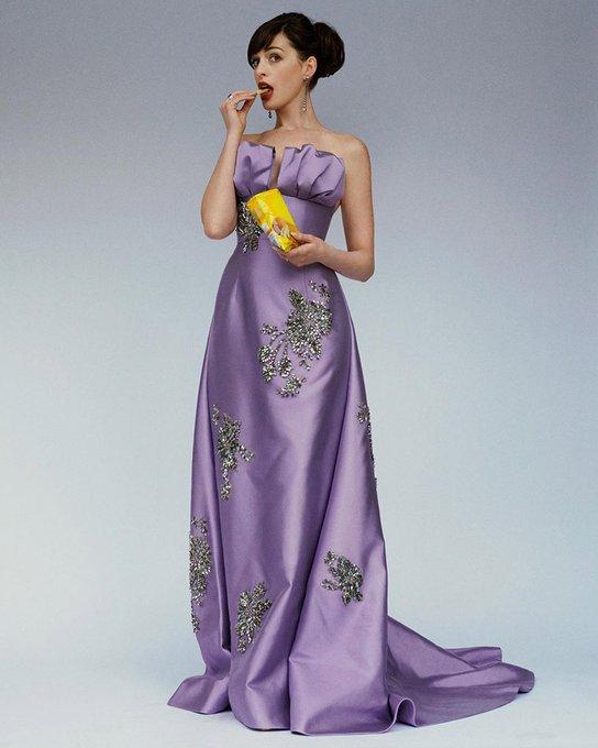 anne-hathaway-wore-prada-celebrating-the-anniversaries-of-the-princess-diaries-the-devil-wears-prada