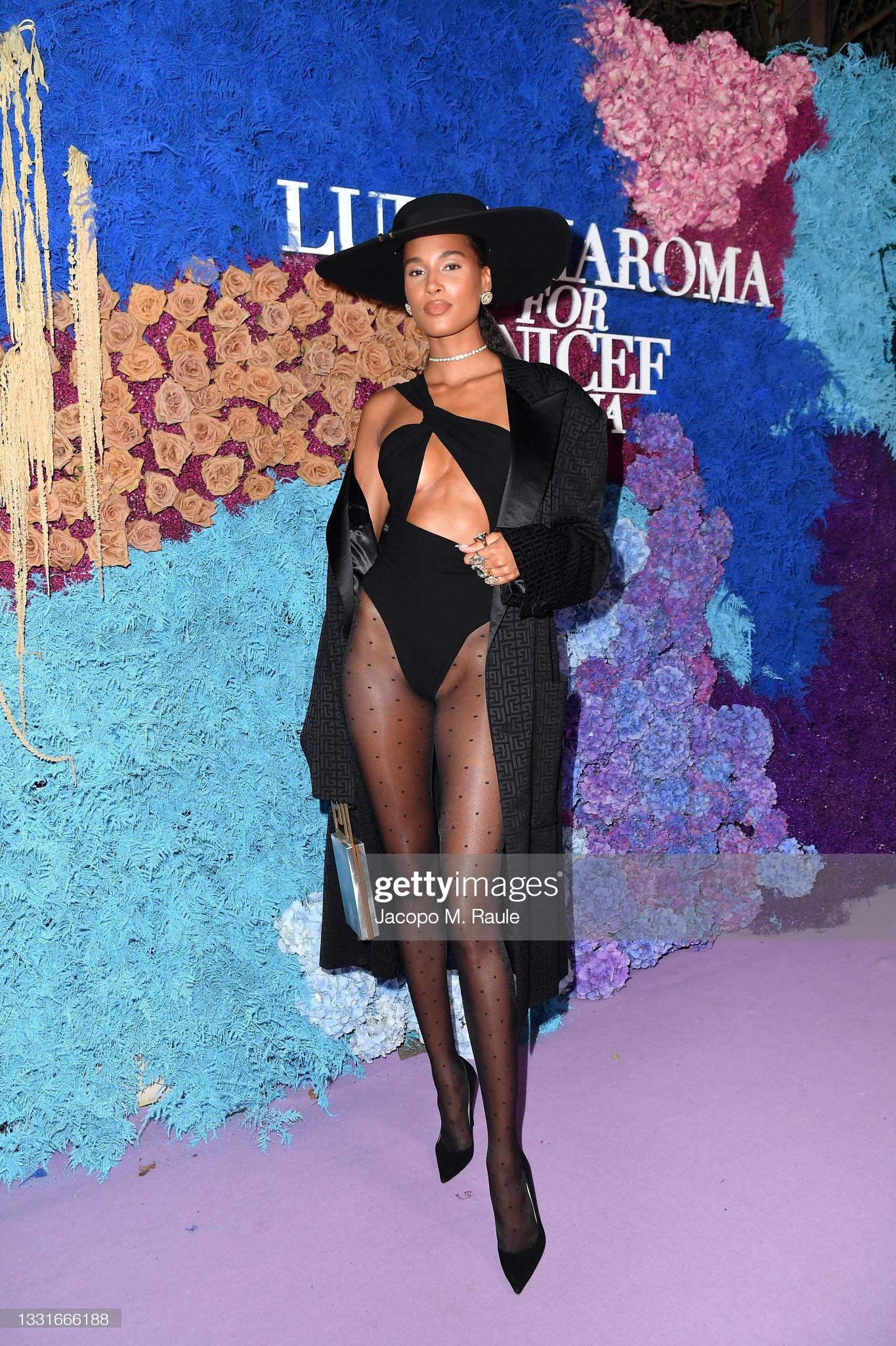 cindy-bruna-wore-monot-bodysuit-luisaviaroma-for-unicef-gala-in-italy