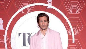 jake-gyllenhaal-wore-custom-prada-2021-tony-awards