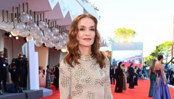 isabelle-huppert-wore-armani-prive-couture-madres-paralelas-venice-film-festival-premiere