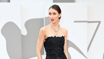 anna-cleveland-wore-alberta-ferretti-dune-venice-film-festival-premiere