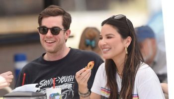 john-mulaney-and-olivia-munn-are-expecting-their-first-child