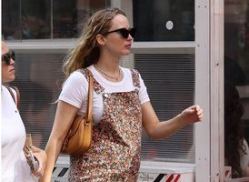 jennifer-lawrence-is-pregnant-expecting-with-her-husband-cooke-maroney