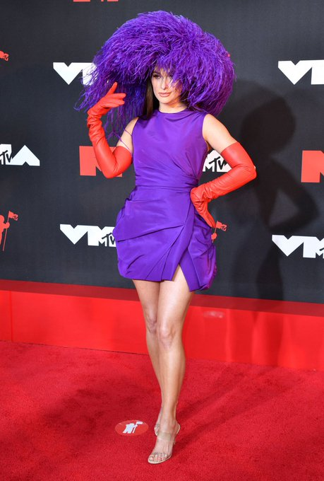 kacey-musgraves-wore-valentino-haute-couture-2021-mtv-video-music-awards