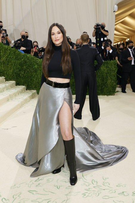 kacey-musgraves-wore-custom-ralph-lauren-2021-met-gala