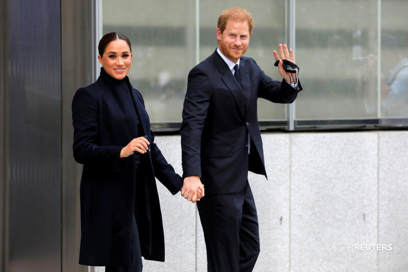 meghan-markle-and-prince-harry-visit-the-world-trade-centre-memorial-in-nyc