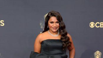 mindy-kaling-wore-carolina-herrera-2021-primetime-emmy-awards