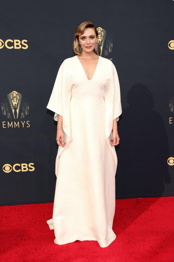elizabeth-olsen-wore-custom-the-row-gown-2021-emmy-awards