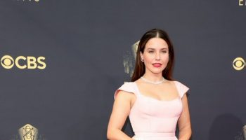 sophia-bush-wore-markarian-2021-primetime-emmy-awards