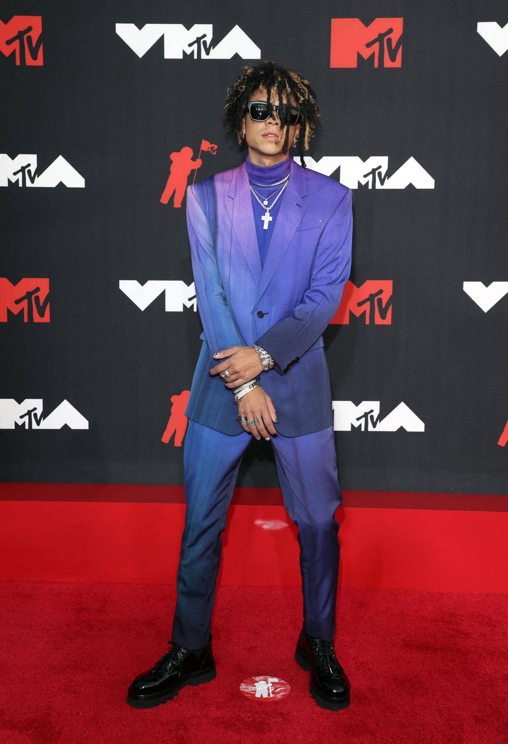 iann-dior-wears-berluti-2021-mtv-video-music-awards