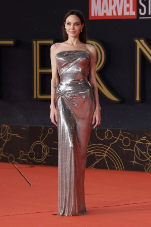 angelina-jolie-wore-atelier-versace-eternals-during-the-16th-rome-film-fest-2021