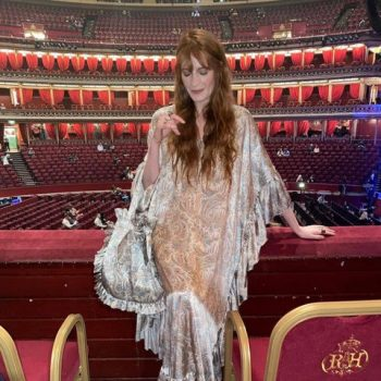 florence-welch-wears-the-vampires-wifes-spellbinder-gown-to-the-nick-cave-warren-ellis-live-show